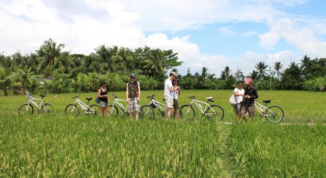 Cycling Saigon to Phnom Penh 3 days/2 nights